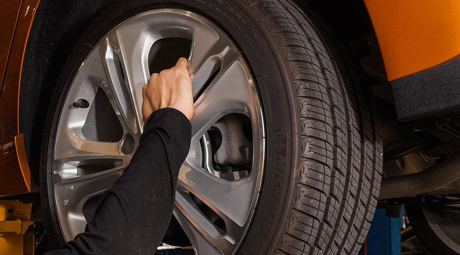 Wheel repair at Hewlett Collision Center in Georgetown, TX